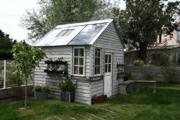 Photos d 39 abris de jardin cabanes abris de jardin et extensions construire soi m me for Idee plan abri de jardin