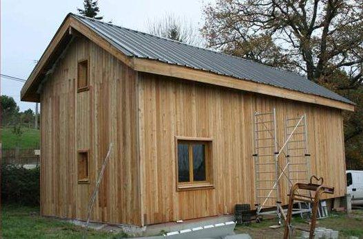 La grange le guide cabanes abris de jardin pour for Construire des box garage